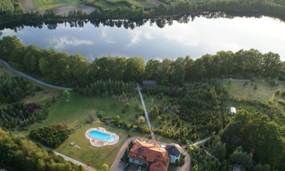Pensjonat z jeziorem i wyjątkowym ogrodem botanicznym_1