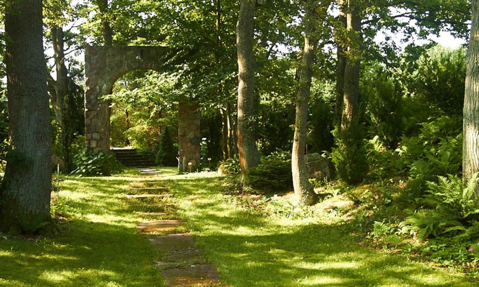 Pensjonat z jeziorem i wyjątkowym ogrodem botanicznym_10