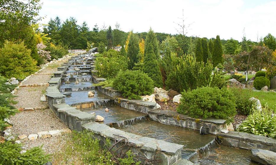 Pensjonat z jeziorem i wyjątkowym ogrodem botanicznym_9